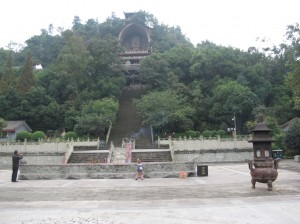 The climb up to the Rongxian Buddha
